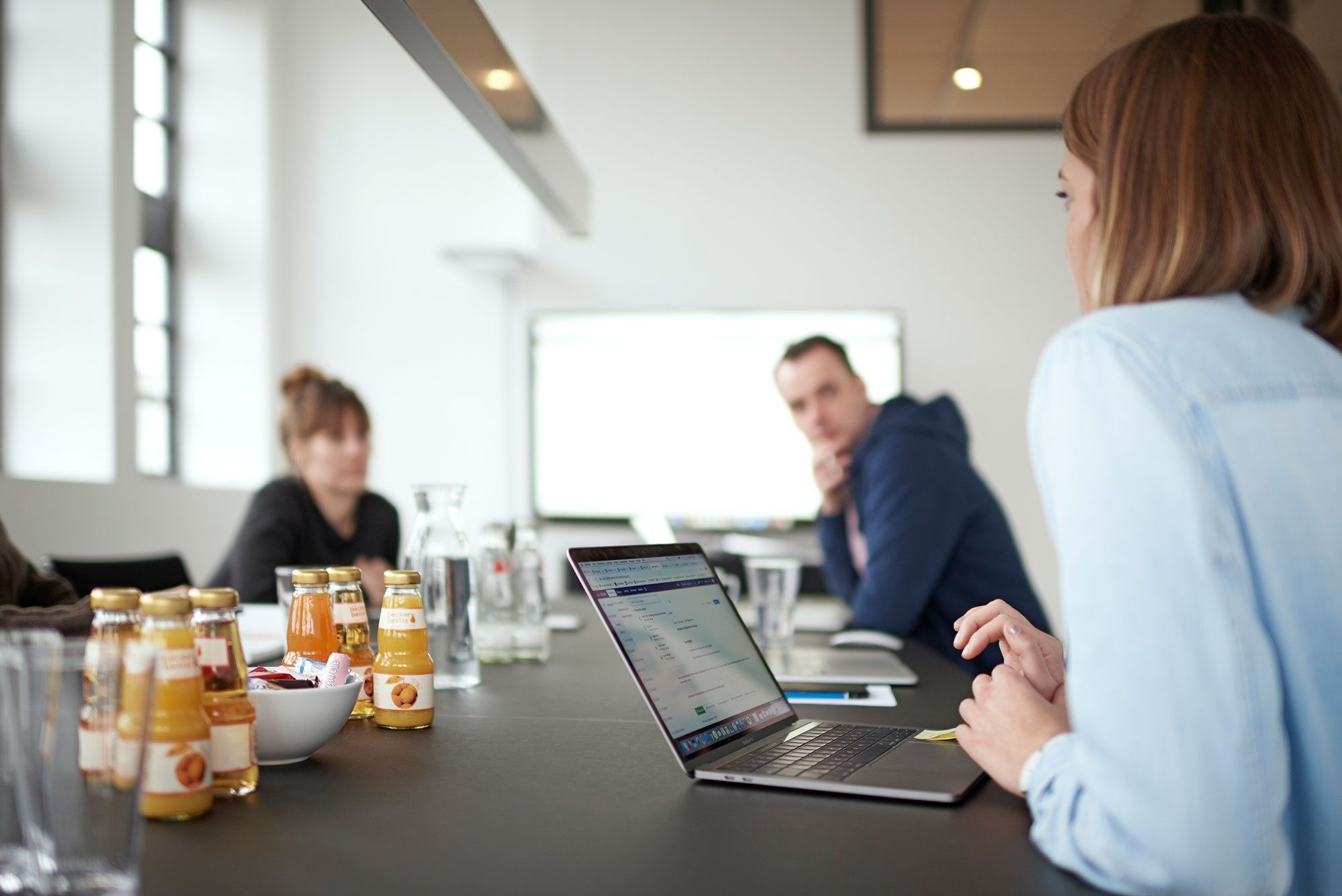 Team-Besprechung im Konferenzraum