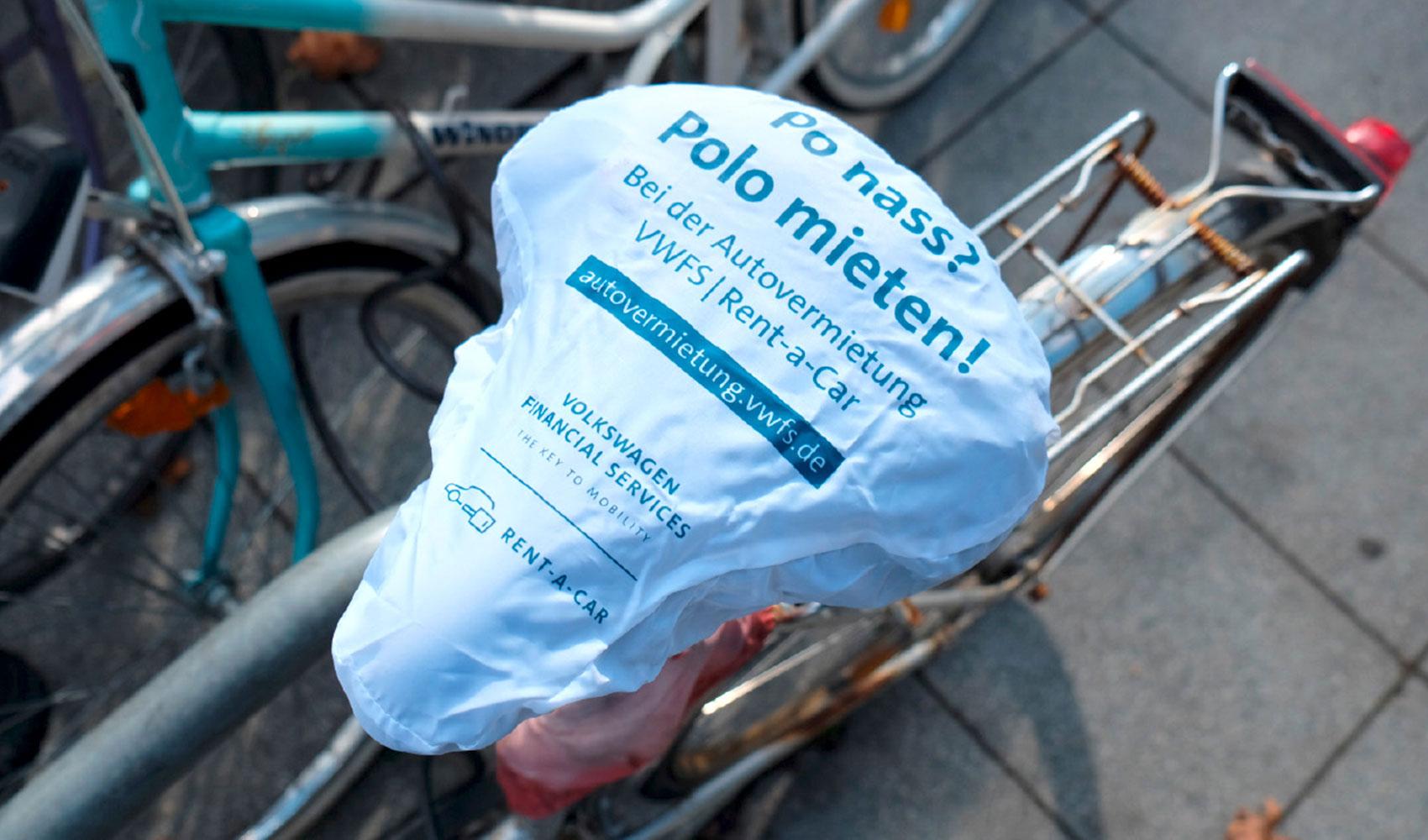 VWFS Rent-a-Car Guerilla Aktion Fahrradschoner