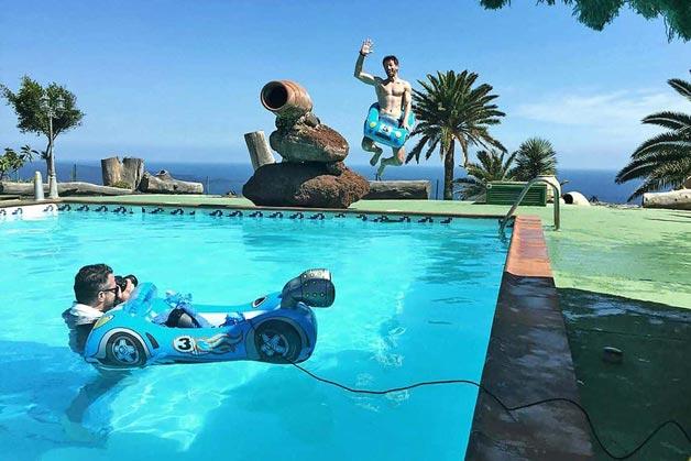 Poolshooting: Sprung in den Pool - Windrich & Sörgel